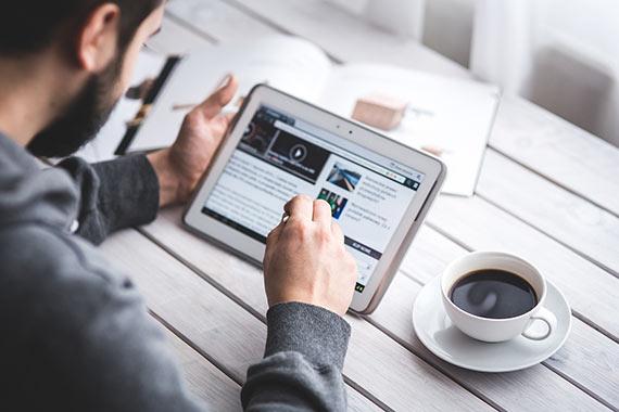 Como a assessoria de imprensa e o marketing digital auxiliam na expansão das mídias sociais