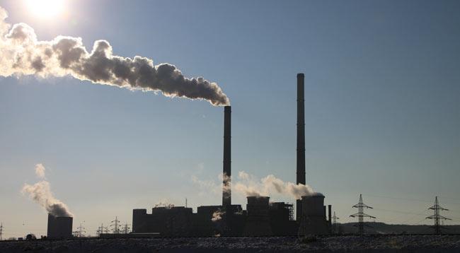 Covid-19: Mundo emite menos um milhão de toneladas de CO2 por dia